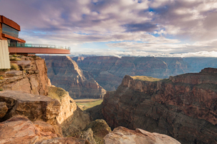 Sky Walk over the Grand Canyon and Colorado River, UNESCO World Heritage Site, Arizona, United Stateの写真素材 [FYI03794310]