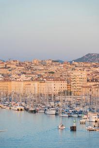 Marseille harbour, Marseille, Bouches du Rhone, Provence, Provence-Alpes-Cote d'Azur, France, Mediteの写真素材 [FYI03794573]