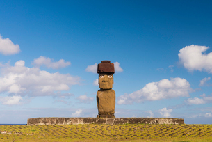 Moai heads of Easter Island, Rapa Nui National Park, UNESCO World Heritage Site, Easter Island, Chilの写真素材 [FYI03794606]