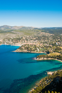 View over Cassis, Bouches du Rhone, Provence, Provence-Alpes-Cote d'Azur, French Riviera, France, Meの写真素材 [FYI03794662]