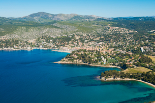 View over Cassis, Bouches du Rhone, Provence, Provence-Alpes-Cote d'Azur, French Riviera, France, Meの写真素材 [FYI03794667]