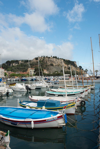 Boats in Cassis harbour, Bouches du Rhone, Provence, Provence-Alpes-Cote d'Azur, France, Europeの写真素材 [FYI03794694]