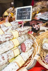 Sausage meat in Aix en Provence, Bouches du Rhone, Provence, Provence-Alpes-Cote d'Azur, France, Eurの写真素材 [FYI03794698]