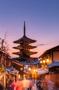 Yasaka Pagoda at sunset, Kyoto, Japan, Asiaの写真素材 [FYI03794727]