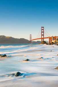 Golden Gate Bridge from Marshall's Beach, San Francisco, California, United States of America, Northの写真素材 [FYI03794852]