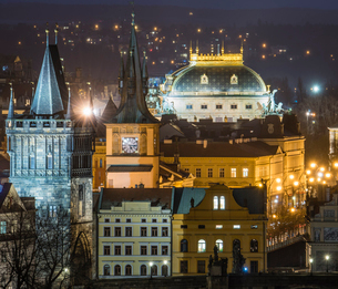 Charles Bridge East Tower and National Theatre at night, Prague, Czech Republic, Europeの写真素材 [FYI03794915]