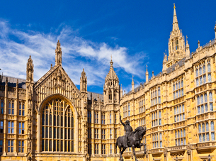 Richard Coeur de Lion outside the Palace of Westminster in London, England, Europeの写真素材 [FYI03795206]