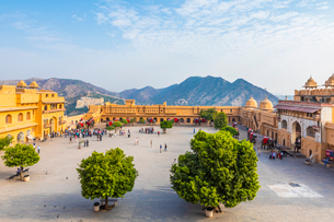 Amer (Amber) Palace and Fort, UNESCO World Heritage Site, Amer, Jaipur, Rajasthan, India, Asiaの写真素材 [FYI03795225]