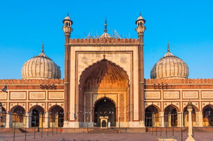 Early morning in Jama Masjid, Old Delhi, India, Asiaの写真素材 [FYI03795229]