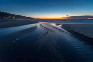 Water trails at sunset, Sennen Beach, Sennen, Cornwall, England, United Kingdom, Europeの写真素材 [FYI03795319]