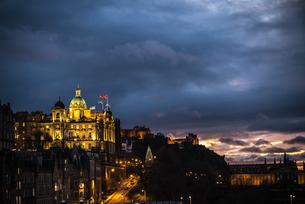 The Museum on the Mound at sunset, Edinburgh, Scotland, United Kingdom, Europeの写真素材 [FYI03795336]