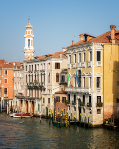 Buildings on Grand Canal in Venice, Italy, Europeの写真素材 [FYI03795401]