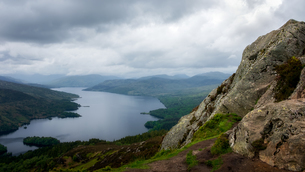 Loch Katrine from the Summit of Ben A'an, Highlands, Scotland, United Kingdom, Europeの写真素材 [FYI03795500]