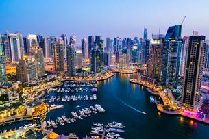 Dubai Marina, Dubai, United Arab Emirates, Middle Eastの写真素材 [FYI03795847]