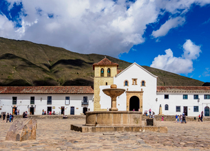 Our Lady of the Rosary Church, Plaza Mayor, Villa de Leyva, Boyaca Department, Colombia, South Ameriの写真素材 [FYI03796136]