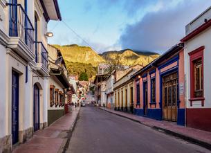 Street of La Candelaria, Bogota, Capital District, Colombia, South Americaの写真素材 [FYI03796152]