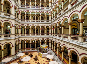 National Palace Mall, interior, Medellin, Antioquia Department, Colombia, South Americaの写真素材 [FYI03796157]