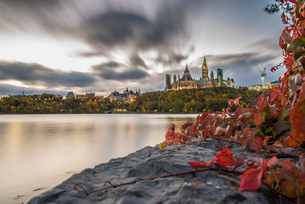 Parliament Hill in the fall, Ottawa, Ontario, Canada, North Americaの写真素材 [FYI03796444]