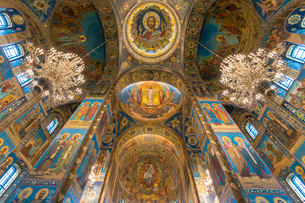 Interior of Church of the Savior on Spilled Blood in St. Petersburg, Russia, Europeの写真素材 [FYI03796487]