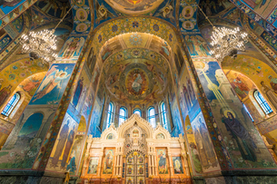 Interior of Church of the Savior on Spilled Blood in St. Petersburg, Russia, Europeの写真素材 [FYI03796489]