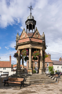 Bandstand in the village of Boroughbridge, North Yorkshire, Yorkshire, England, United Kingdom, Euroの写真素材 [FYI03796642]