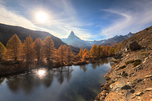 Grindjisee Lake by Matterhorn during autumn in Zermatt, Switzerland, Europeの写真素材 [FYI03796802]