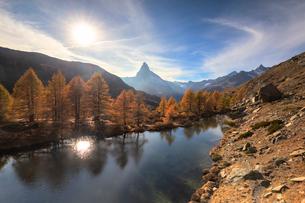 Grindjisee Lake by Matterhorn during autumn in Zermatt, Switzerland, Europeの写真素材 [FYI03796802]
