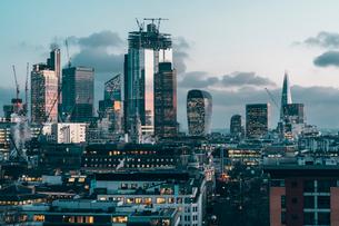 City of London financial district skyline at night, London, England, United Kingdom, Europeの写真素材 [FYI03796973]