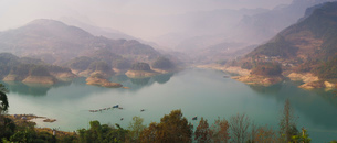Panorama of Shiqiao Lake of the Wulong Karst geological park, UNESCO World Heritage Site, Wulong couの写真素材 [FYI03796980]