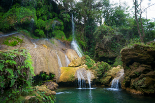 El Nicho waterfall, located in the Sierra del Escambray mountains not far from Cienfuegos, Cuba, Wesの写真素材 [FYI03797055]