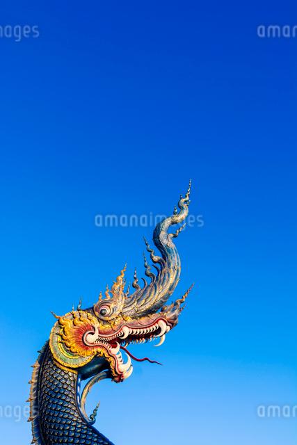 Naga head at Wat Rong Suea Ten (Blue Temple) in Chiang Rai, Thailand, Southeast Asia, Asiaの写真素材 [FYI03797099]