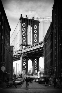 Manhattan Bridge with the Empire State Building through the Arches, New York City, New York, Unitedの写真素材 [FYI03797129]