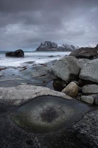 Uttakleiv beach, Lofoten, Nordland, Arctic, Norway, Europeの写真素材 [FYI03797148]
