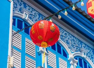 Beautiful Sino Portuguese architecture in Phuket Old Town, Phuket, Thailand, Southeast Asia, Asiaの写真素材 [FYI03797352]