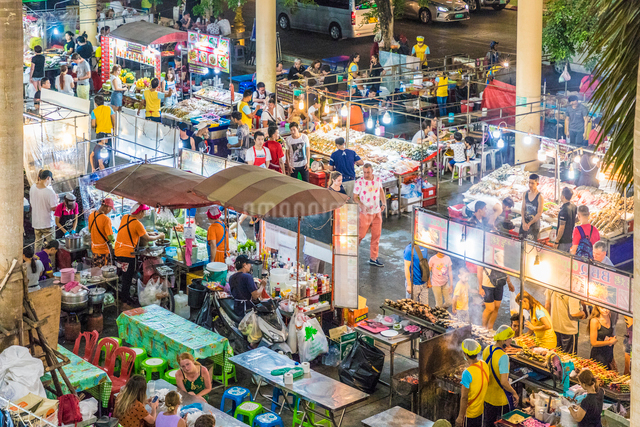 An aerial view of the Banzaan night market in Patong, Phuket, Thailand, Southeast Asia, Asiaの写真素材 [FYI03797381]