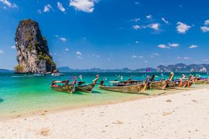 Poda Island in Ao Nang, Krabi, Thailand, Southeast Asia, Asiaの写真素材 [FYI03797393]