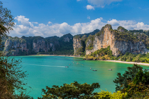 The view from West Railay viewpoint in Railay, Ao Nang, Krabi Province, Thailand, Southeast Asia, Asの写真素材 [FYI03797407]