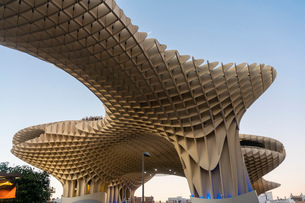 La Setas de Sevilla, Metropol Parasol is a wooden structure located at La Encarnacion square at sunsの写真素材 [FYI03797522]