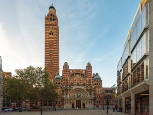Westminster Cathedral at Cathedral Piazza, Victoria Street, Westminster, London, England, United Kinの写真素材 [FYI03797567]