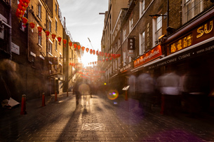 Long exposure of Lisle Street, Chinatown in the afternoon near Piccadilly Circus, London, England, Uの写真素材 [FYI03797580]
