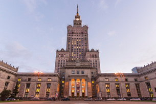 Palace of Culture and Science (Palac Kultury i Nauki), built in the 1950s, Warsaw, Poland, Europeの写真素材 [FYI03797584]