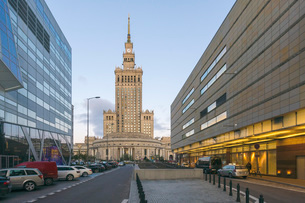 Palace of Culture and Science (Palac Kultury i Nauki), built in the 1950s at the downtown district,の写真素材 [FYI03797585]