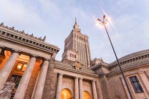 Palace of Culture and Science (Palac Kultury i Nauki), built in the 1950s, Warsaw, Poland, Europeの写真素材 [FYI03797587]