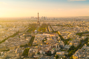 View of Paris from above Montparnasse Tower, Paris, France, Europeの写真素材 [FYI03797669]