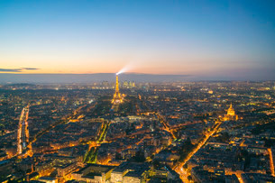 View of Paris from above Montparnasse Tower, Paris, France, Europeの写真素材 [FYI03797670]
