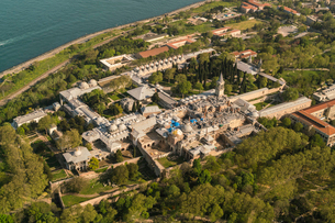 Topkapi Palace, UNESCO World Heritage Site, from above, Istanbul, Turkey, Europeの写真素材 [FYI03797706]