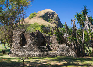 Historic military ruins below Signal Peak, Pigeon Island National Landmark, Gros Islet, St. Lucia, Wの写真素材 [FYI03798097]