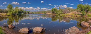 An artificial lake in northern Arizona called Hell's Canyon Tank, north of Paulden, Arizona, Unitedの写真素材 [FYI03798138]