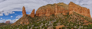 Panorama of Courthouse Butte, Rabbit Ears, and Lee Mountain in Sedona, composed of eight photos, Ariの写真素材 [FYI03798167]