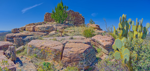 Ancient Indian ruins resembling an old fortress on top Sullivan Butte in Chino Valley, Arizona, Unitの写真素材 [FYI03798202]